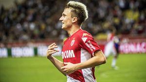 Головин сделал два гола, но этого не хватило для победы «Монако». Чемпионат Франции вернулся огненным матчем