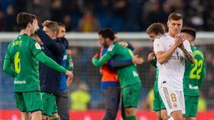 «Реал» вынесли изКубка: Эдегор забил инепраздновал, 4 раза смотрели VAR, Бэйл уехал досвистка