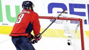 Сколько денег отнимут у Овечкина? НХЛ хочет урезать зарплаты игроков, если новый сезон будет неполным