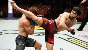 Претендент насамый красивый нокаут UFC вПитере появился через 86 секунд после начала турнира