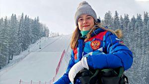 «Могул — лыжи, а не танцы». Фристайлистка Смирнова о победе на ЧМ, нейтральном флаге и 12 месяцах в году на снегу