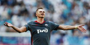 Тарасов защитил футболистов: «Мыневоруем деньги»