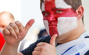 Англичане благодарят Россию и ставят пивные рекорды. Главные кадры самого жесткого разгрома на ЧМ