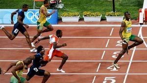 Болт вспомнил свою легендарную победу наОИ-2008, пошутив натему социального дистанцирования