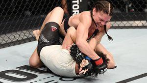 В UFC появилась первая девушка из Узбекистана. Шакирова проиграла топовой американке Мерфи, попавшись на удушающий