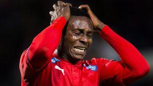 Темнокожего футболиста дисквалифицировали за расизм. Акповета назвал оппонента «белым мальчиком»