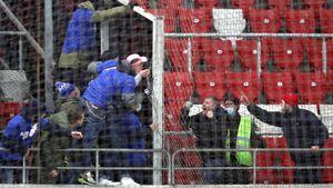 «У меня сейчас мурашки по коже». Футболист Морозов рассказал, как ездил на драку фанатов «Динамо» и «Спартака»