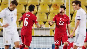 Турция впервые в истории победила сборную России. Банда Черчесова с 24-й минуты играла в меньшинстве. Как это было