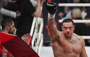 Михаил Кокляев — Артем Тарасов: прогноз букмекеров на бой по правилам бокса