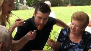 Семья капитана «Сент-Луиса» отведала бабушкины макароны изКубка Стэнли
