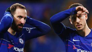 ФИФА нагод забанила «Челси» натрансферном рынке. Азар иИгуаин вшоке