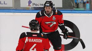 Сенсационные финалисты Востока выдали мощное шоу в первом же матче. Плей-офф КХЛ может быть крутым
