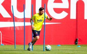 Месси идругие игроки «Барселоны» возобновили тренировки наклубной базе