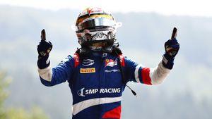Все три русских попали в очки в гонке Формулы-2 в Бельгии. Шварцман победил и стал лидером чемпионата