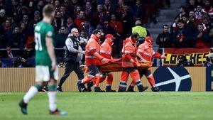 2 пенальти за20 минут, Чорлуку унесли наносилках. «Локо» без шансов проиграл «Атлетико»