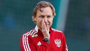 «Звонил Глушакову— он сказал: готов на все. А зачем звонить Дзюбе?». Карпин объяснил состав сборной России