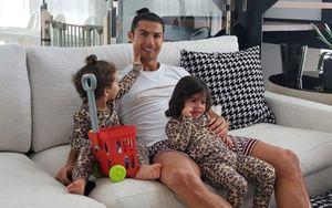 Роналду использовал дочь вместо гантели, когда тапопыталась отвлечь его оттренировки: видео