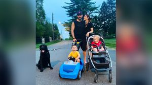 Жена Овечкина выложила фото с семейной прогулки: «Илья явно не доволен поведением брата»