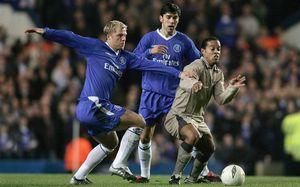 «Захотелось ударить Роналдиньо, когда он нам забил». Исландец, который отжигал в «Челси» и «Барсе»