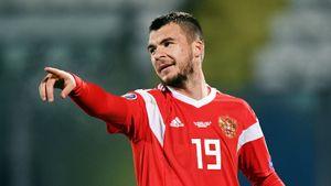«Динамо» предложило Комличенко контракт, Фернандеш так инеперешел в«МЮ». Трансферы ислухи дня