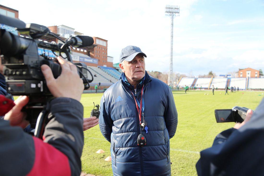 Главный тренерФК «Томь» подал вотставку после поражения команды