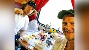 «Ел вонючую курицу и «Доширак». Самый высокооплачиваемый русский хоккеист Панарин — о поездке в родное Коркино