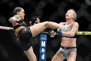 Чемпионка UFC Нуньес нокаутировала очередную претендентку на пояс. Ей понадобилось четыре минуты