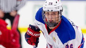 Сын русского эмигранта играет за юниорскую сборную США. Старшие братья Пастухова уже обыгрывали Россию в хоккей