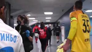 «Сколько денег?!» С чего начался конфликт Тедеско и Джанаева после матча «Сочи» — «Спартак»: видео