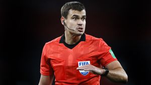 «Русский рефери был великолепен». Левников опустился на колено в знак поддержки BLM перед игрой Англия — Сан-Марино