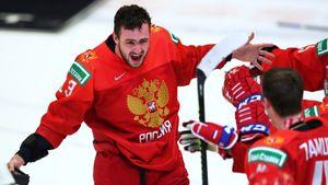 Уехал из дома в 13 лет, в пандемию развозил людям еду. История хоккеиста Соколова, выбранного на драфте «Оттавой»