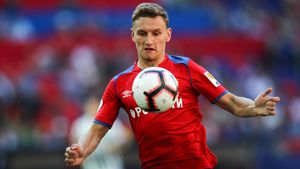 «Севилья», «Арсенал» и «Монако» интересуются Чаловым. Кому из них русский нападающий нужнее