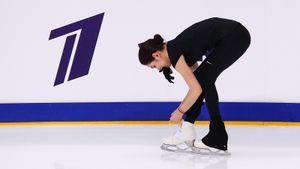 Кузнецов: «Медведева могла бы кое-как прыгнуть в сломанных коньках, но девушкам на ЧР нельзя кататься неидеально»