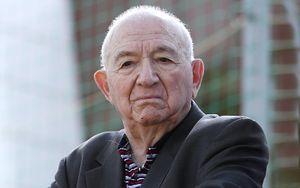 В Ереване украли статую Никиты Симоняна