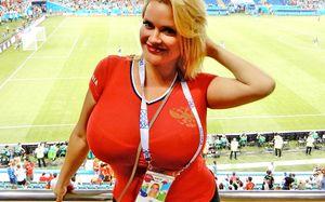 Горячие девушки, которые сделали матч Португалия — Испания еще жарче