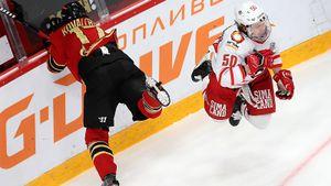 Ковальчук подставил «Авангард» грязным ударом в колено, но Омск идет дальше. «Автомобилист» не спас даже гол Дацюка