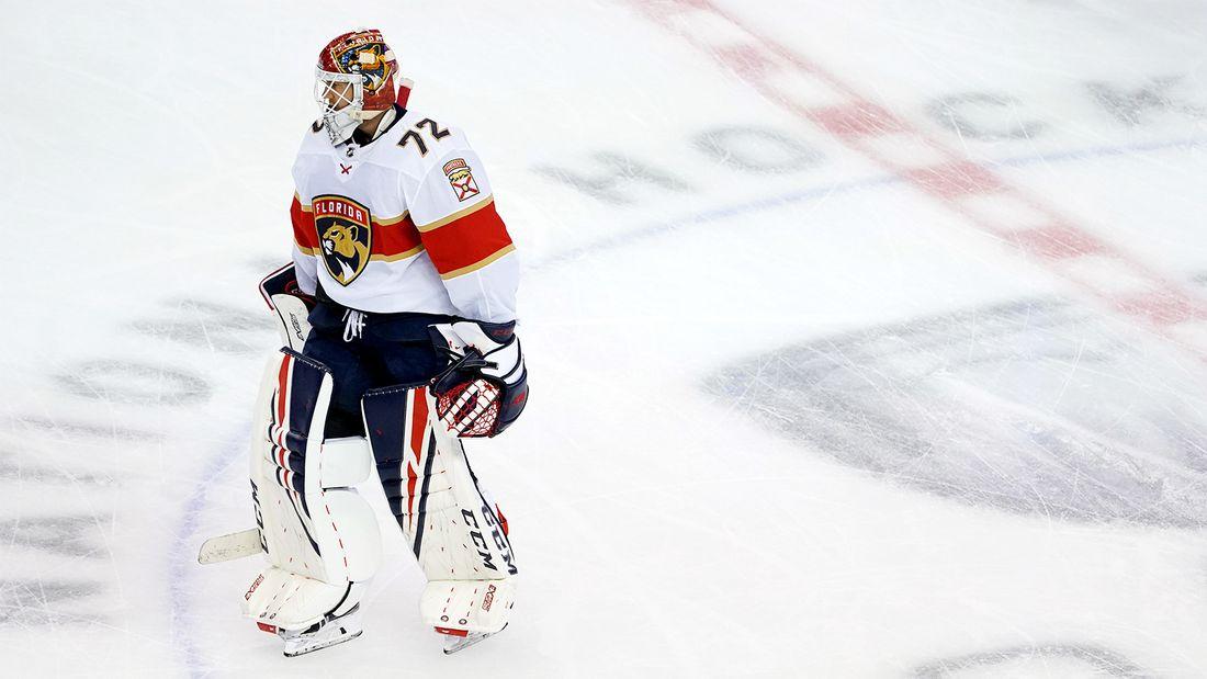 Что творится с самым дорогим русским вратарем Бобровский проваливает второй сезон подряд в НХЛ