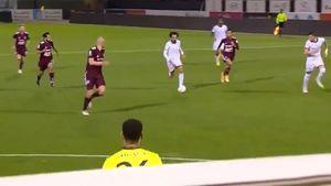 Супергол португальского футболиста: забил издевательским ударом, пробежав полполя. Видео из Саудовской Аравии