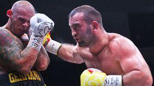 Гассиев поднялся в тяжелый вес и прикончил соперника за 4 раунда. Рефери спас немецкого боксера от глухого нокаута