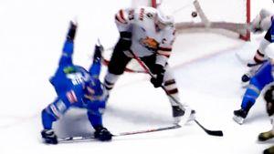 «Неперестает удивлять». Супергол вКХЛ: игрок «Барыса» забил впадении, находясь спиной кворотам