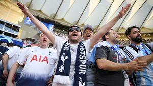 Фанатов «Тоттенхэма», сидящих дома, будут показывать на стадионе через Zoom. Так уже делали в Дании