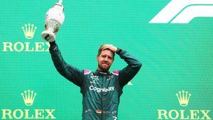 Феттель потерял 2-е место на Гран-при Венгрии— немца дисквалифицировали из-за малого количества топлива в баке
