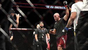 «Боялся, что эту заразу домой принесу». Олейник опасался подхватить коронавирус на турнире UFC 249 в США