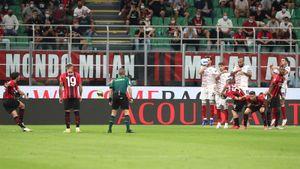 «Милану» засчитали гол, который отменили в ворота «Зенита». Судья забыл, что нельзя вставать в чужую стенку