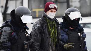 На протестах в Москве действительно задержали Даниэля Аггера. Это россиянин, официально сменивший фамилию и имя