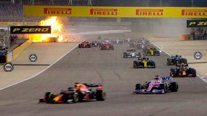 Русский гонщик Квят спровоцировал взрыв болида француза Грожана. Он загорелся после удара о заграждение: видео