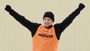 «Это было незабываемо». Мамаев играет в футбол в «Бутырке» на День святого Валентина