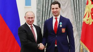 Путин поручил Ротенбергу прекратить отток хоккеистов вАмерику. КХЛ ждет железный занавес?