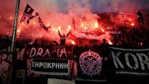 Клуб российского бизнесмена стал чемпионом Греции спустя 34 года. Фанаты ПАОКа устроили огненное шоу