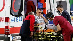 Страшная травма Муслеры: двойной перелом ноги, скорая на поле и поддержка от Де Хеа
